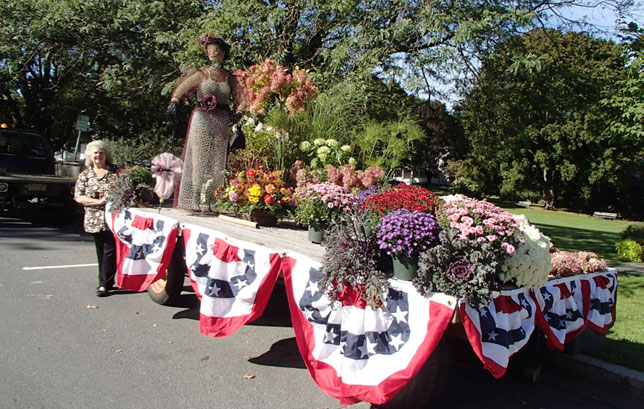 Tub Parade Grandstand decorations & centerpieces created by Sue Treat & Maureen Gamelli.