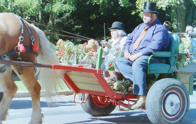 Octogenarian drives in one of the first CCDS Tub Parades. Her ancestors took part in the parades of the Gilded Age.
